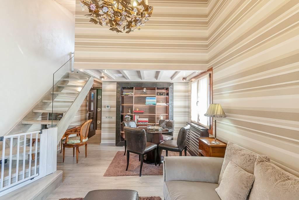 Elegant àtic dúplex per comprar en una zona residencial de Canillo